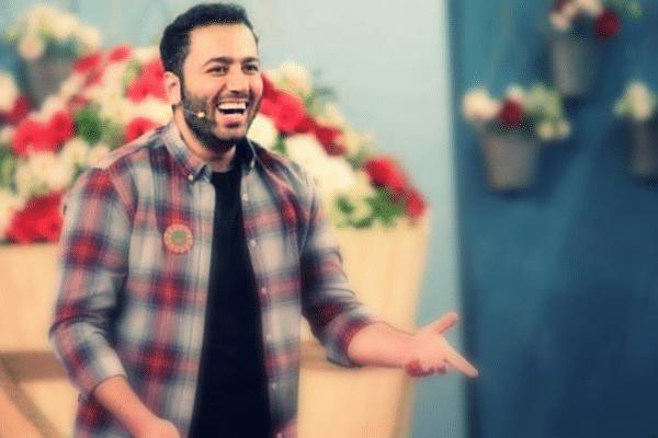 اجرای استندآپ کمدی با موضوع برق توسط علی صبوری در مرکز ملی شماره گذاری کالا